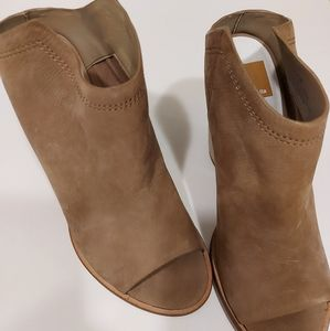 Ladies Dolce Vita Noa toe mules size 8.5
